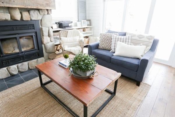 DIY Reclaimed Wood Coffee Table 15