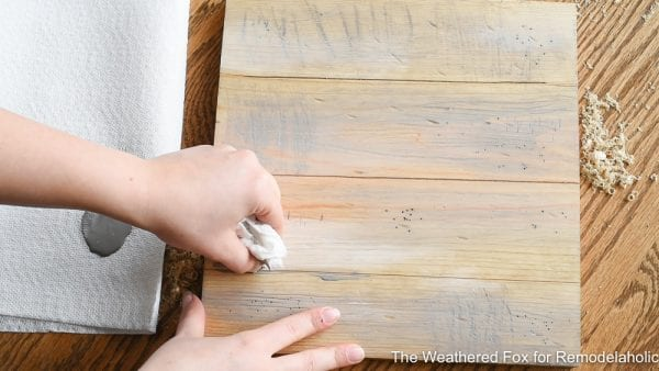 Easy Way To Create The Look Of Aged Wood. How To Create Farmhouse Style Wall Baskets With Dollar Store Items. Get This Tutorial From The Weathered Fox On Remodelaholic!