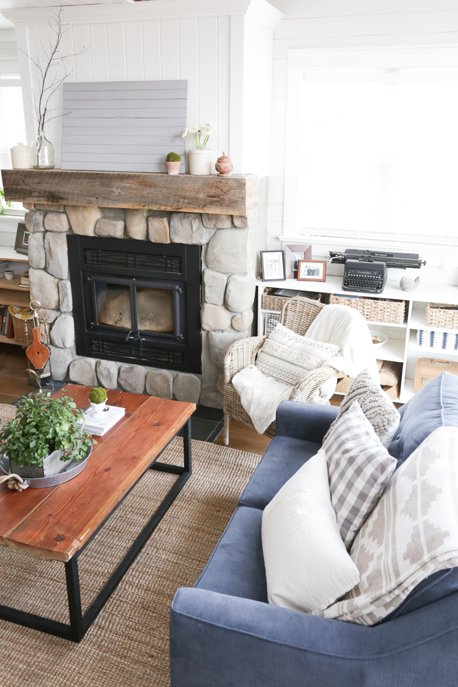 Elegant Feature DIY Reclaimed Wood Coffee Table This Mamas Dance