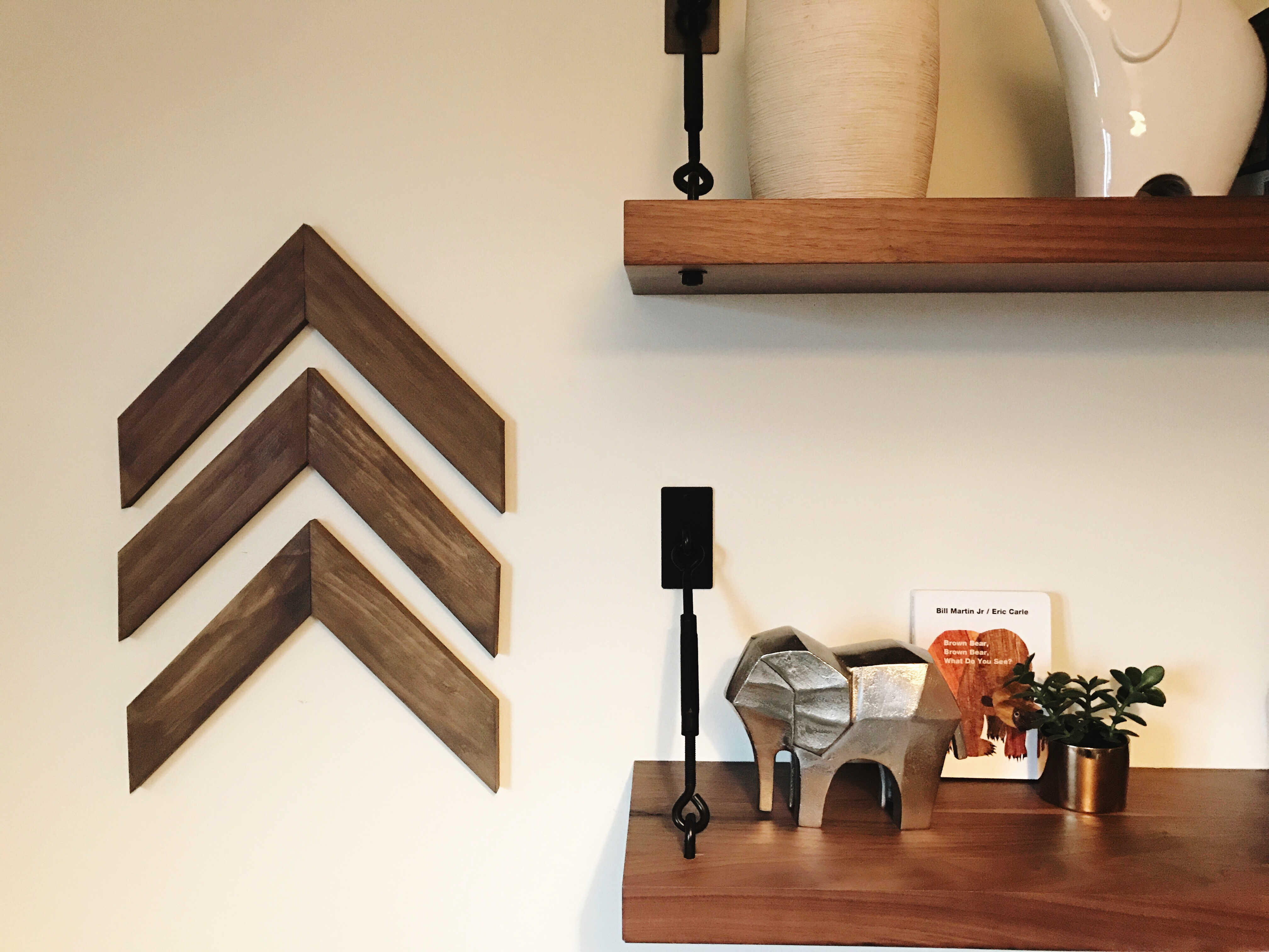 Pinterest Wall Decor: Easy DIY Wooden Arrow Wall Decor Tutorial