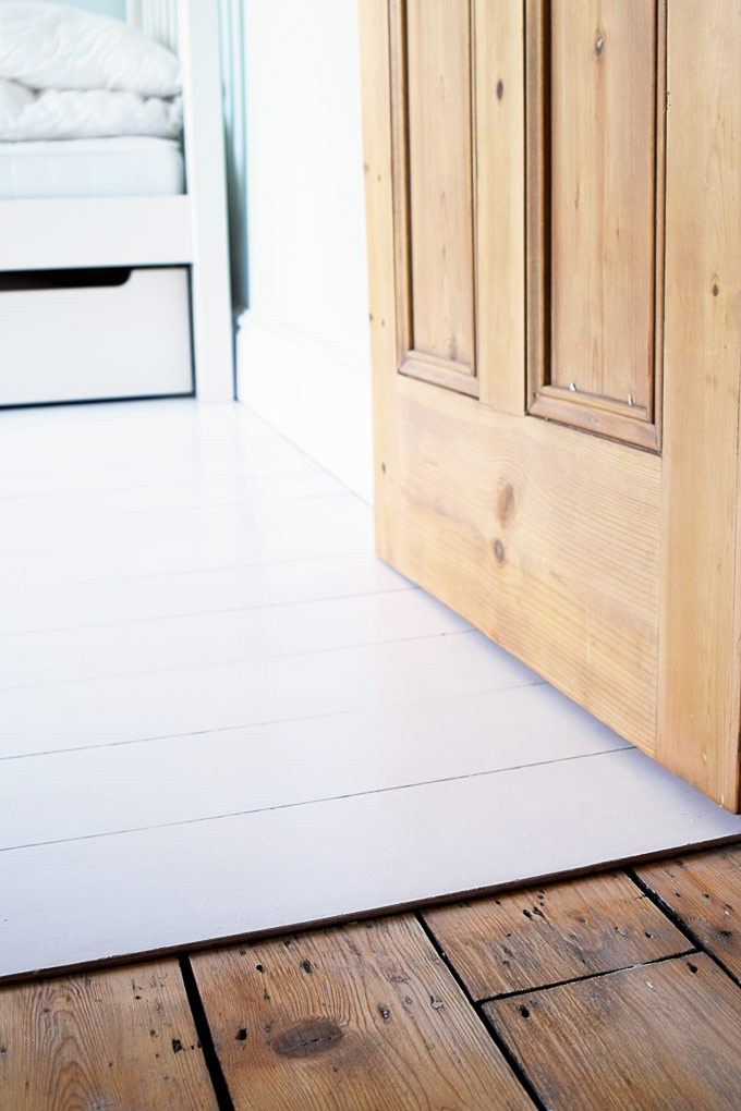 Remodelaholic diy plywood flooring pros and cons tips little house on the corner diy plywood flooring solutioingenieria Images