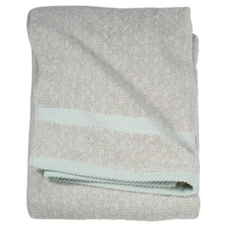 Bold Bathroom Design 07 Bath Towel