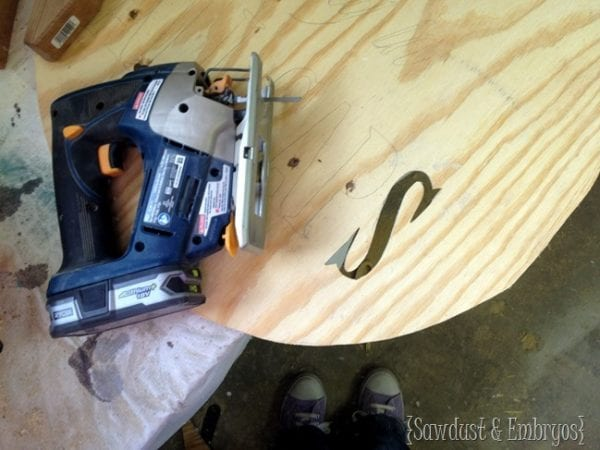 Cutting A Circle From Plywood Using A Jigsaw, Reality Daydream