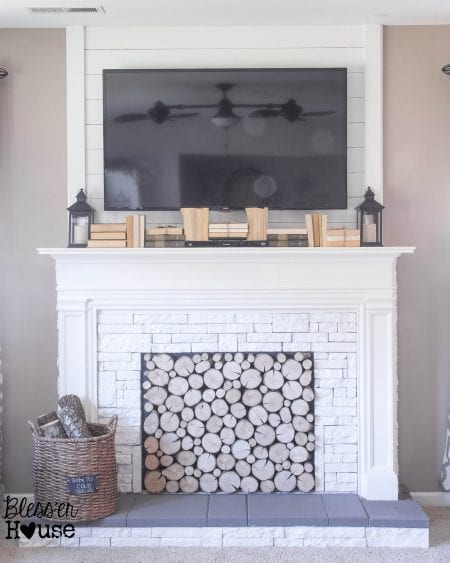 Remodelaholic no mantel no problem 25 ideas for for Alternative fireplaces