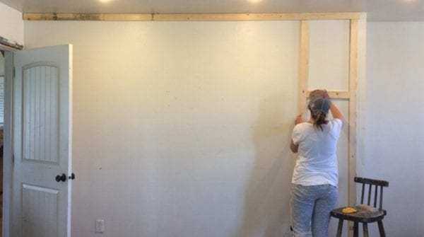 There are so many great ways to decorate walls. I love this DIY floor to ceiling board and batten! It is the perfect way to update your home.