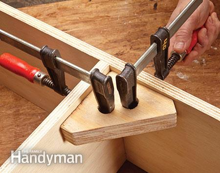 Right Angle Jig For Clamping Corners, Family Handyman