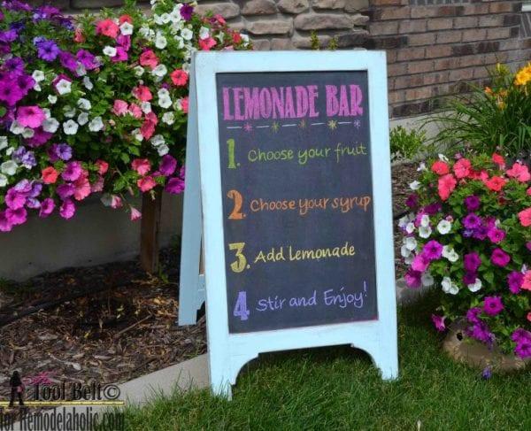 DIY Chalkboard Easel Lemonade 768x623
