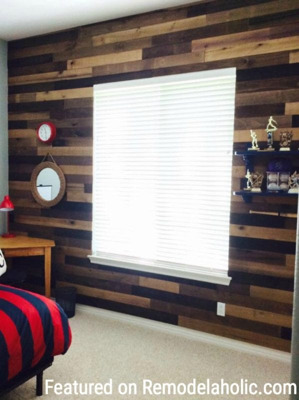 Barnwood Wall Featured On Remodelaholic.com