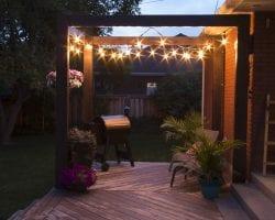 Modern Deck Pergola @Remodelaholic 34