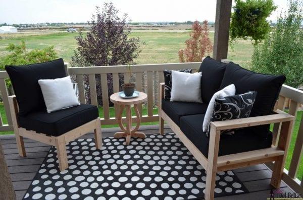 Outdoor Sofa Conversation Setup Hertoolbelt
