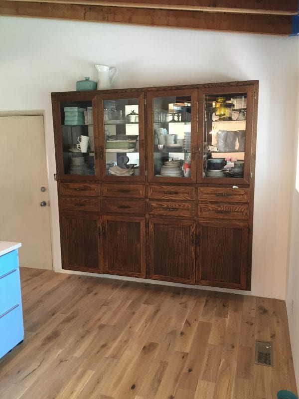 remodelaholic | dining room hutch makeover: painting furniture