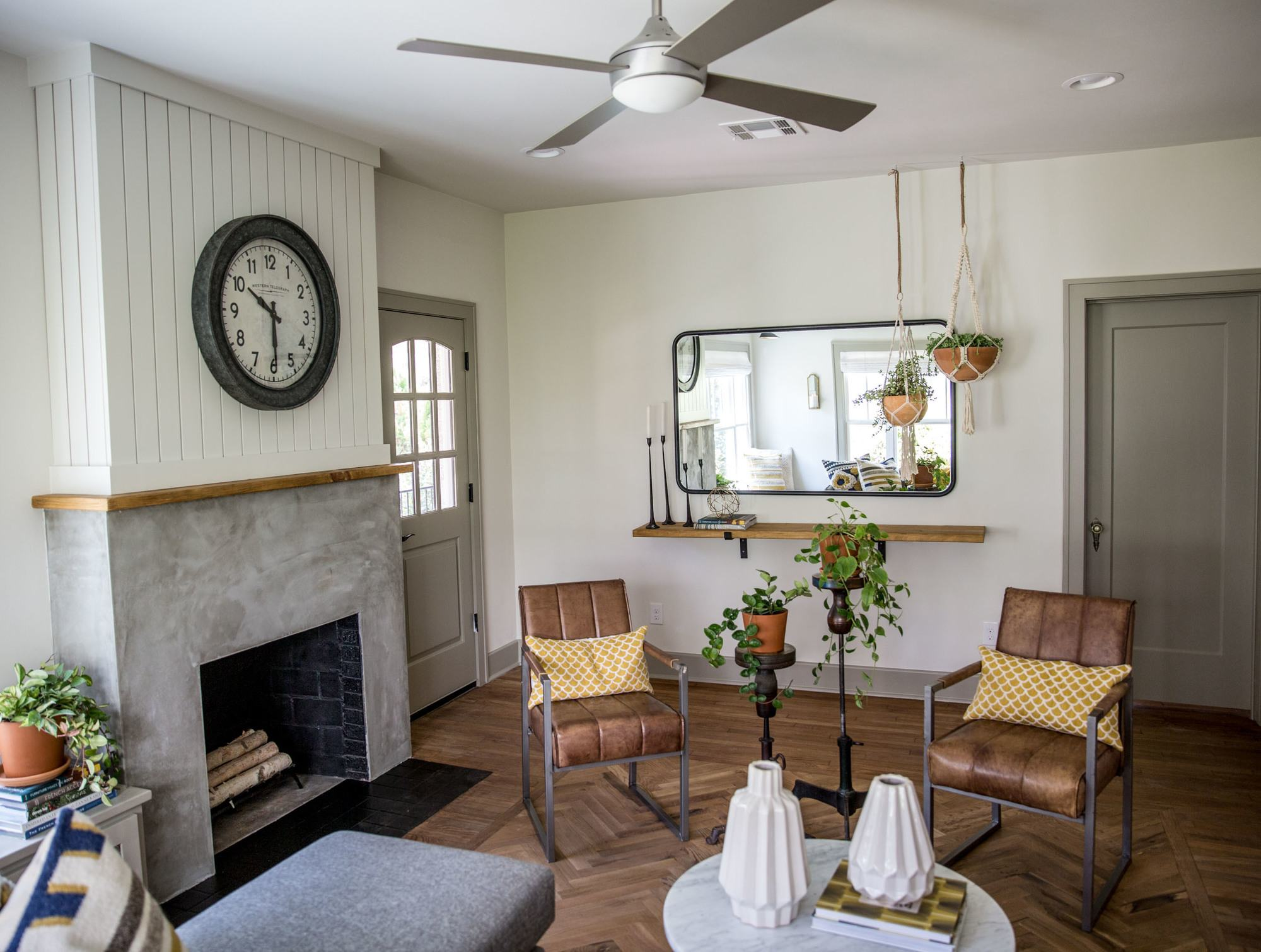 Remodelaholic Get This Look Fixer Upper Giraffe House Living Room