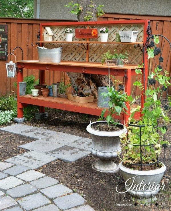 Simple DIY Potting Bench