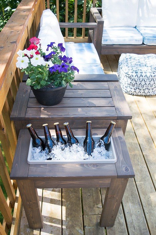 Remodelaholic 75 things to build with 2x4s and other for How to build a patio table