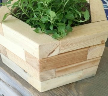 20 Things to Build from 2×2 Wood Boards