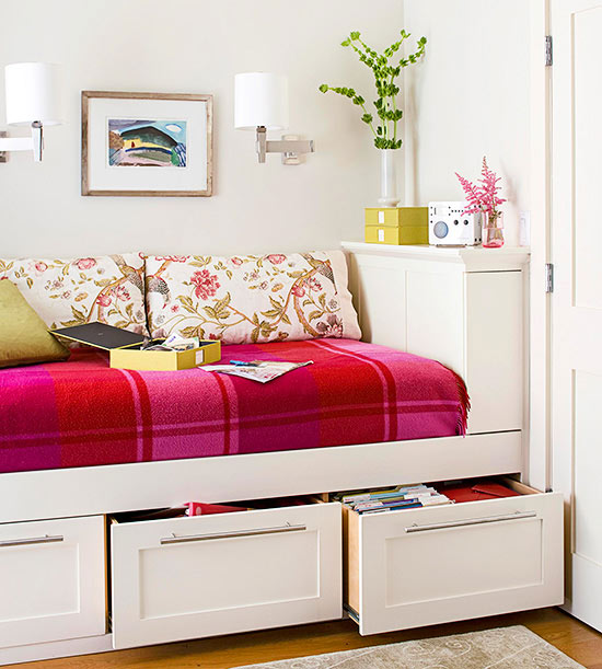 Red & Pink Plaid Bedroom Via BHG