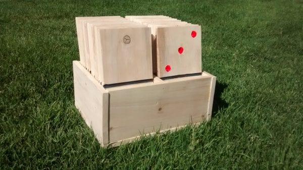 Remodelaholic Yard Dominoes