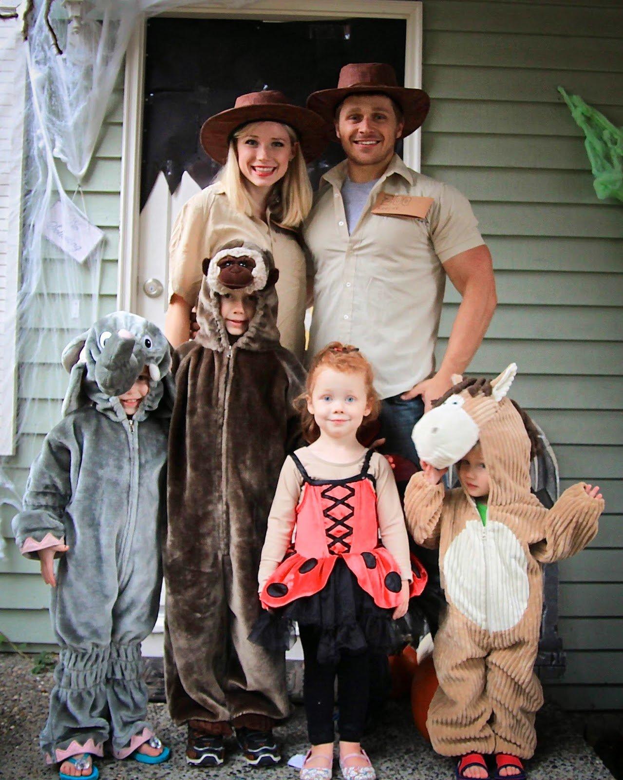 remodelaholic | 25 creative family halloween costume ideas