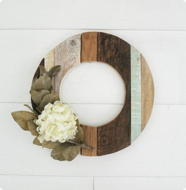 Rustic Wood Wreath 3 Thumb