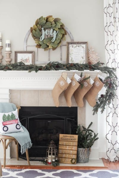 Magnolia Wreath Christmas Mantel Decor 44