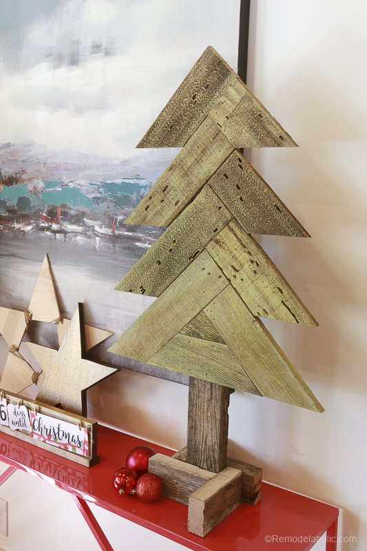 how to build diy rustic herringbone wood christmas trees from old fence boards video tutorial - Wood Christmas Tree