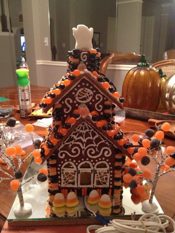 Gingerbread House Ideas For Halloween, From Remodelaholic