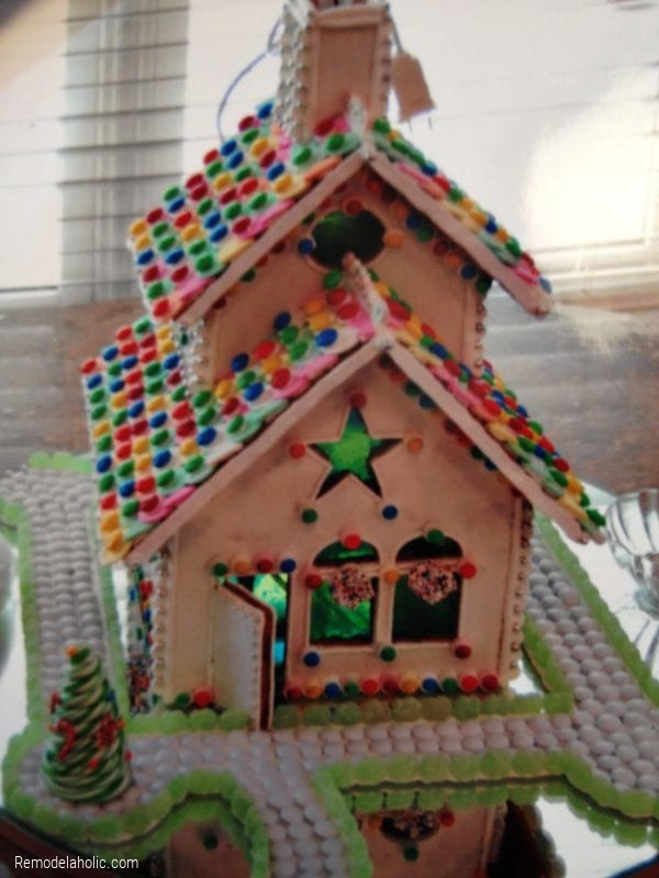 Ideas For Decorating Homemade Gingerbread House, From Remodelaholic