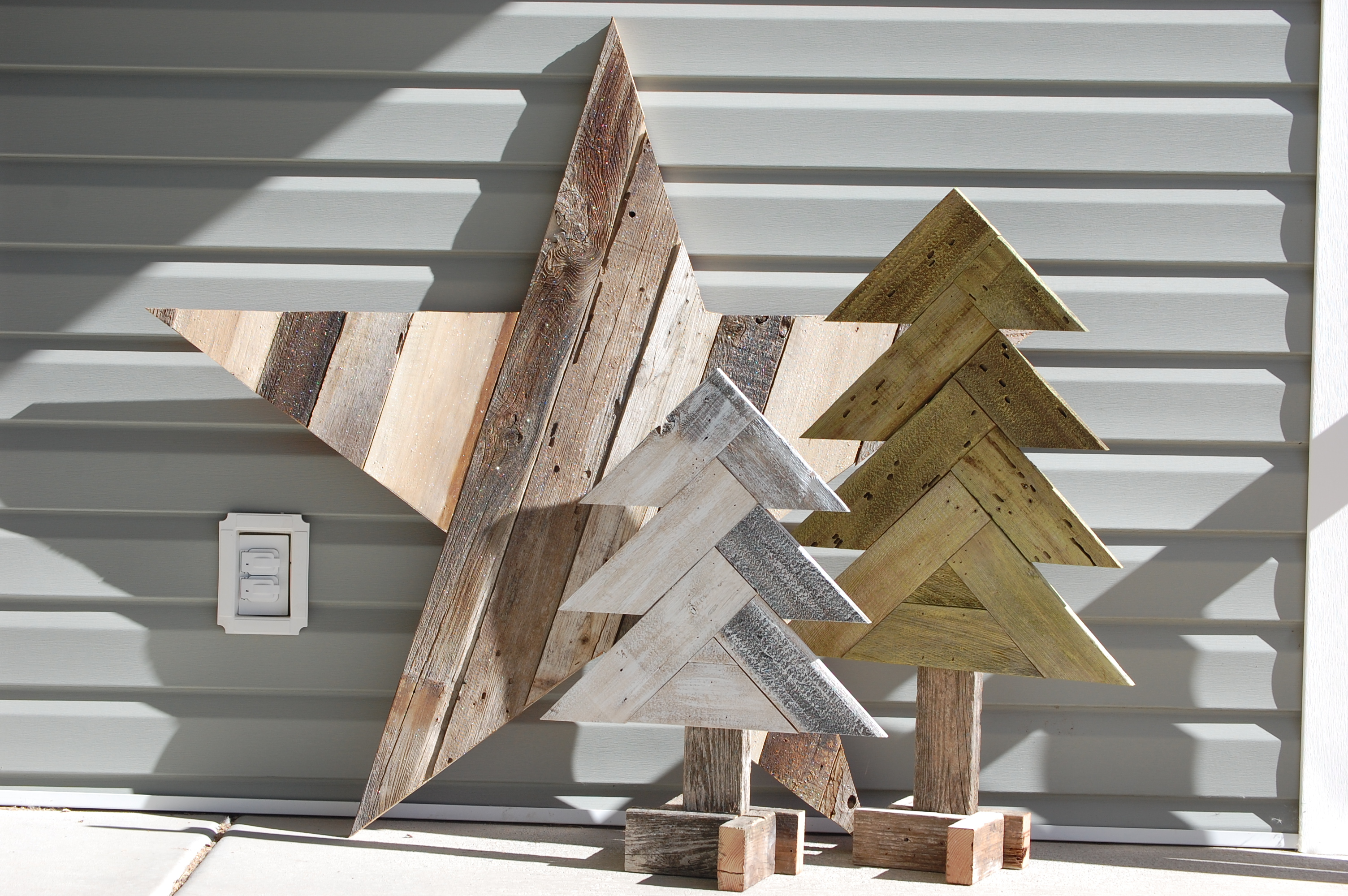 Remodelaholic How To Build Rustic Herringbone Wood Christmas Trees