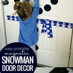 Printable Magnetic Snowman Door Decor @Remodelaholic