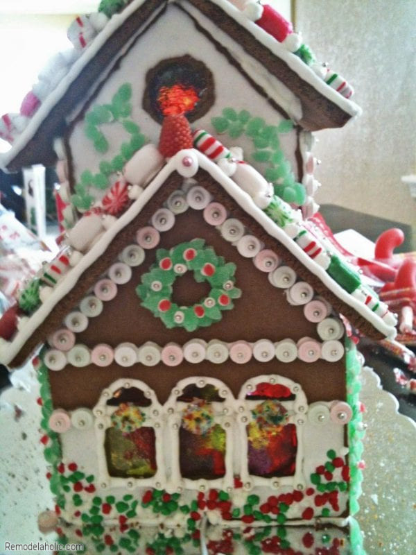 Ways To Decorate A Gingerbread House, From Remodelaholic