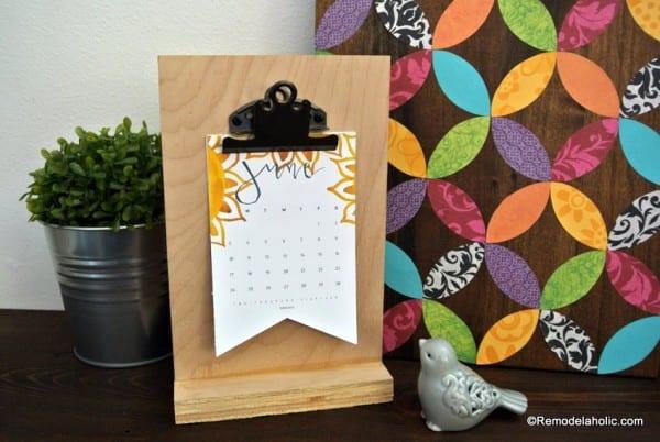 Printable Desk Calendar Plus Easy DIY Desktop Calendar Stand Or Photo Display