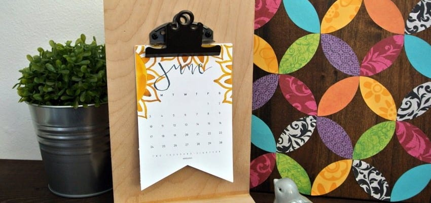 Watercolor Printable 2018 Calendar + Easy DIY Desk Calendar Tutorial