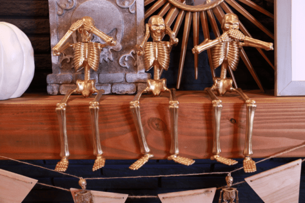 Gold Skeletons From The Dollar Store @remodelaholic 768x512