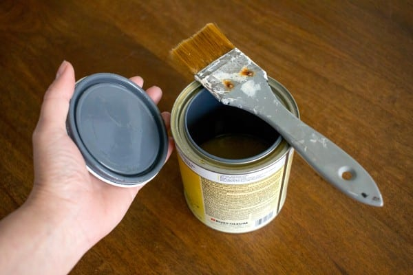 Brush Shellac Tannin Stain Primer for painting wood white from pneumatic addict on remodelaholic