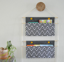 Extra 13 Hanging Book Holder 2