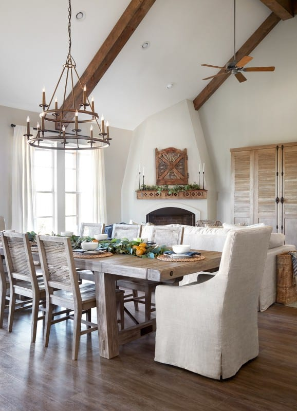 "Tips and sources for decorating and designing a farmhouse dining room | Get This Look: A Farmhouse Dining Room a la Fixer Upper ""A Lot of Options"" House #remodelaholic #fixerupper #farmhousestyle"