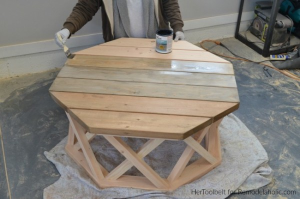 How To Stain And Seal An Outdoor Coffee Table For Weatherproof Waterproof, HerToolbelt For Remodelaholic