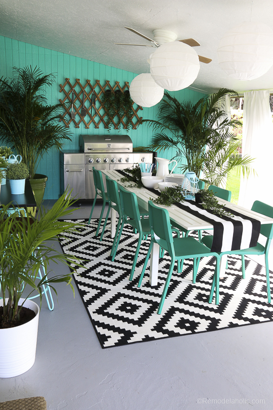 Outdoor Dining Room With IKEA Furniture @Remodelaholic 19