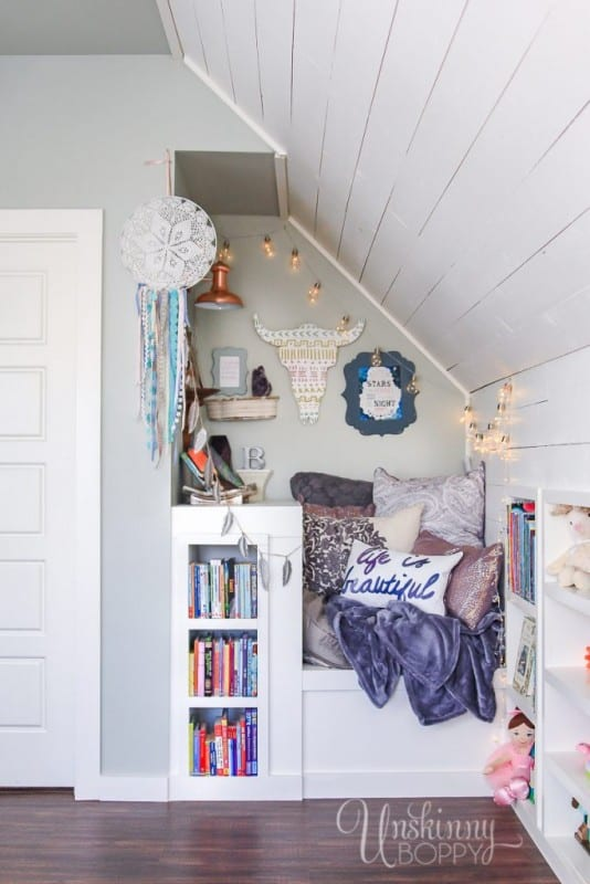Cozy Built In Book Nook In Attic 1 1 683x1024