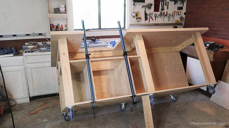 Table Saw Workbench @Remodelaholic 29