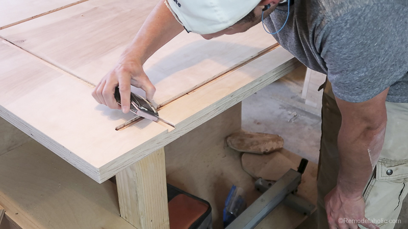 Table Saw Workbench @Remodelaholic 41