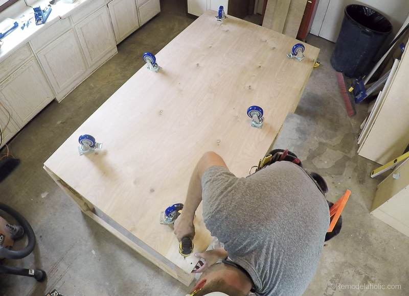 Table Saw Workbench @Remodelaholic 7