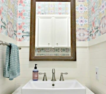 Small Modern Farmhouse Powder Room 10 1 (1)