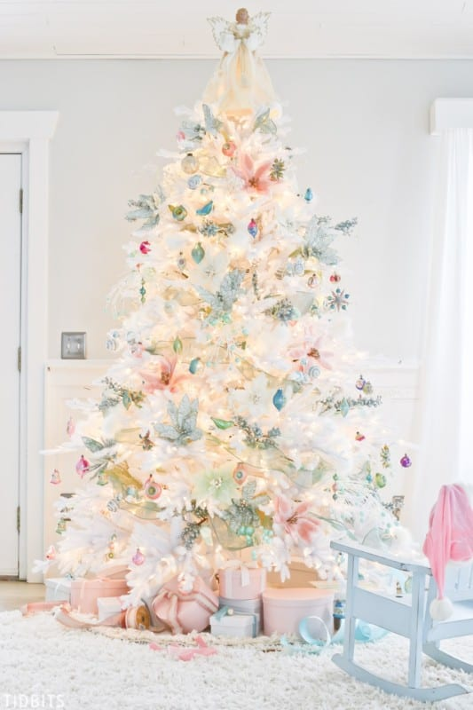 A Colorful Christmas Home Tour TIDBITS 8