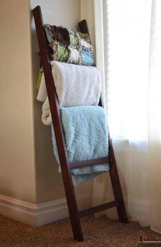 Blanket Ladder Tutorial and Decor Idea