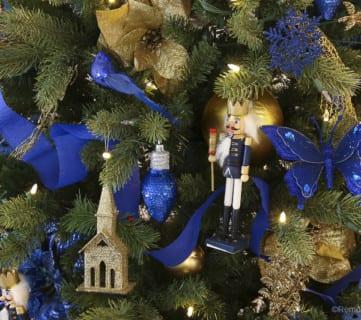 Dollar Store Christmas Tree Under $50 @Remodelaholic 3