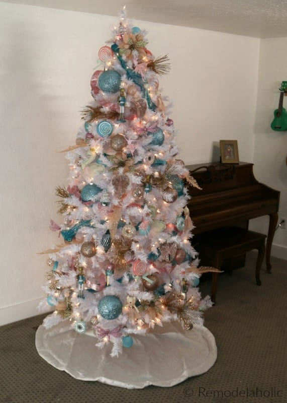 cassity remodelaholic white christmas tree decorating idea blue pink and gold nutcracker themed tree with