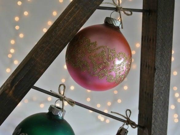 Diy Ornament Display Tree To Hold Vintage Ornaments #remodelaholic