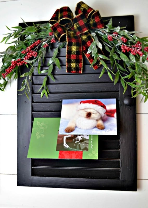 Maureen Red Cottage Chronicles Christmas Card Holder