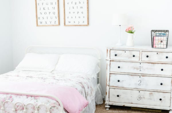 Vintage Style Shabby Chic Girls Bedroom 8060 3 Small Logo 740x490